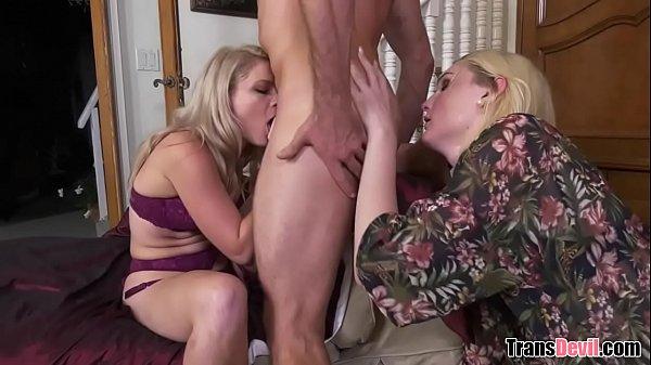 2 TS + 1 Stud: Anal Threesome/Cum Swap
