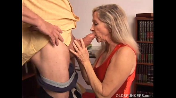 Annabelle & Casey: TS-On-TS Anal Fuck!