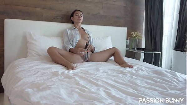 Cute Babe Playing With Her Vibrator