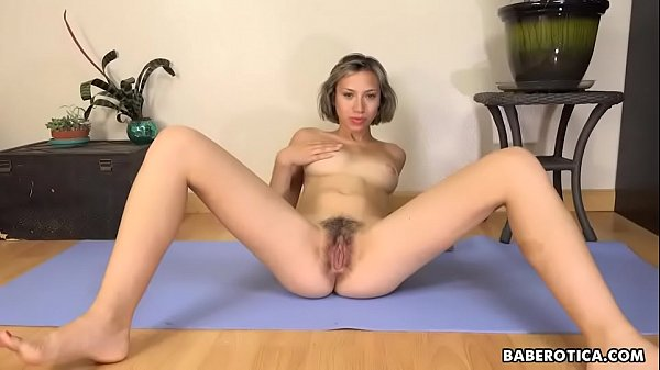 Hairy Pussy Gets Stretched
