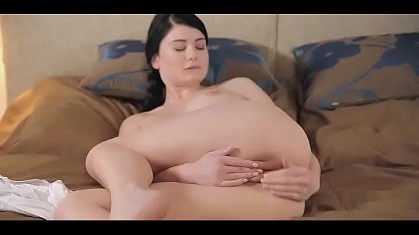 Hottie Pleasing Herself