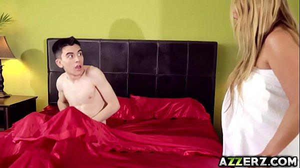 Kianna Dior: Busty Cum SlutselvagemSc. 8