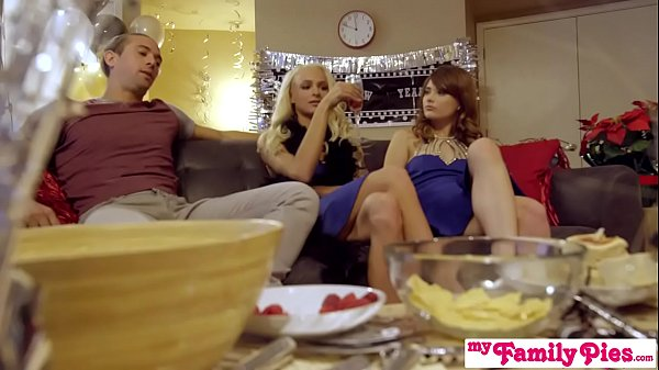 Kiss And Make Up With Your Step Sister – S17:E3