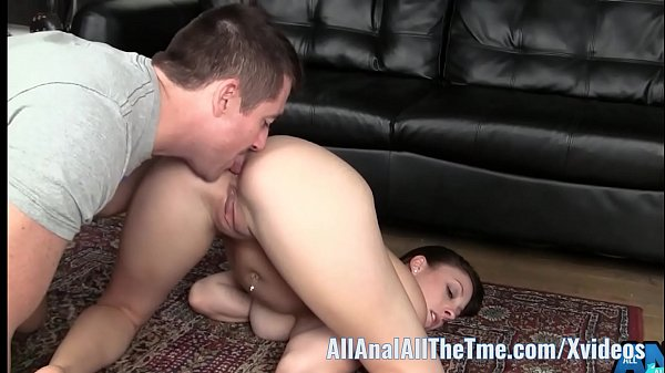Melany Wants You To Feed Her Pussy