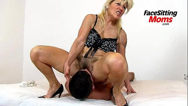 MILFs Eating Young Pussy #02