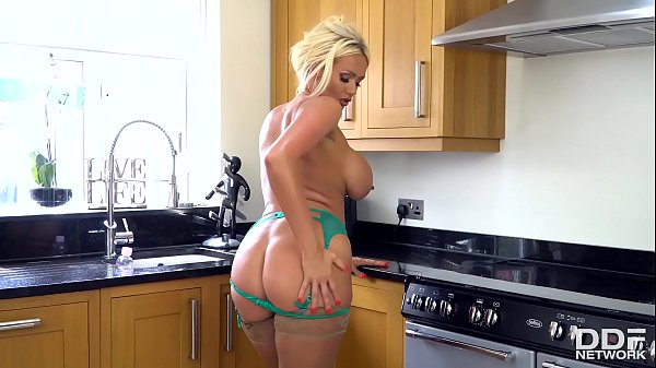 Oiled Babes Are The Best